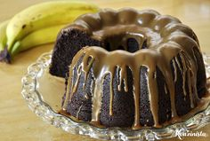 This is a really moist banana cake recipe. The secret to getting the cake moist is indicated in the method below. If you like banana cake like i do then this recipe is sure to please. Popular Recipes, My Recipes, Sweet Recipes, Cake Recipes, Dessert Recipes, Desserts, Moist Banana Cake Recipe, Banana Pudding Poke Cake, Chocolate Recipes