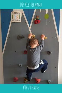 Flo's Kletterwand We built a climbing wall for our son and show you how it works . Baby Room Design, Wall Design, Happy First Birthday, Baby Zimmer, Climbing Wall, Lounge Decor, Baby Boy Rooms, Kids House, Plexus Products
