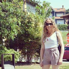 Listo el look de hoy www.ideassoneventos.com #ideassoneventos #imagenpersonal #imagen #moda #ropa #looks #vestir #fashion #outfit #ootd #style #tendencias #fashionblogger #personalshopper #blogger #me #streetstyle #postdeldía #blogsdemoda #instafashion #instastyle #instalife #instagood #instamoments #job #myjob #currentlywearing #clothes #casuallook #bermudasconcorbata