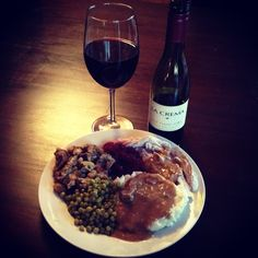 We started w/Mom's dessert then dove into her homemade pre-#Thanksgiving feast paired w @La Crema 08 Pinot Noir