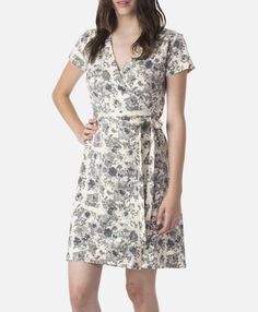 Adorable organic cotton wrap dress from Pact Organic Cotton.   Save 25% on Pact Organic Clothing now until 8/31/17 with coupon code: SAVEMONEY25.  #affiliate #momsmeet