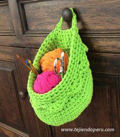 Canasta colgante tejida en trapillo o totora con crochet XL!