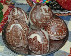Wedding Craft Traditions from India Wedding Hall Decorations, Marriage Decoration, Marriage Songs, Coconut Decoration, Indian Dolls, Indian Crafts, Wedding Crafts, Blue Pillows, Fall Wedding