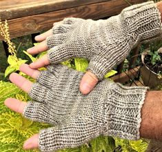 9e2c0d80d15 Half Finger Gloves Men s Hand Knit Variegated Gray and Light Brown  Hand-Dyed Pure Merino Wool Hand Warmers Gloves With Short Fingers
