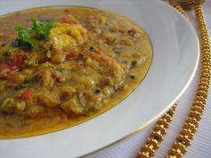 Kerala-Fish-Curry kerala meen curry recipe, how to make kerala style meen kuzhambu, fish curry recipe, kerala fish curry, fish curry with coconut, meen kuzhambu, non vegetarian gravy, accompaniment, gravy for rice, seafood recipes, fish recipes, coconut meen kuzhambu, kerala fish curry recipe