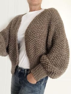 Diy Crafts - Knitting Patterns Lace Stitches Charts Ideas For 2019 Crochet Baby Sweater Pattern, Knit Cardigan Pattern, Knit Crochet, Cable Knitting Patterns, Knit Patterns, Tweed, Pijamas Women, Mohair Sweater, Knit Fashion