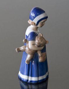 Else with Teddy bear, girl standing, Royal Copenhagen figurine See all photos Else with Teddy bear, girl standing, Royal Copenhagen figurine See more Royal Copenhagen Item number: 1021671 Alt. item nr: 1021671 Size (cm): 17cm