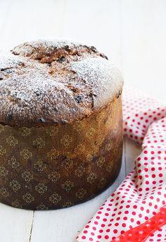 Panettone de chocolate y naranja. Gourmet Recipes, Cake Recipes, Dessert Recipes, Chocolate Sweets, Chocolate Recipes, Italian Christmas Cake, Peruvian Recipes, Croissants, Donuts