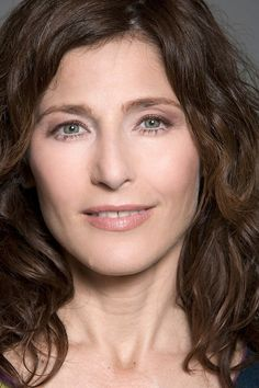 Catherine Keener as Sally Jackson from Percy Jackson and the Olympians/ Heroes of Olympus Cute Woman, Pretty Woman, Beautiful Celebrities, Gorgeous Women, 50 And Fabulous, Golden Age Of Hollywood, Curly Girl, Classic Beauty, Girl Crushes