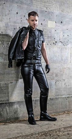 Fetish blog: leather, rubber, jeans, skinhead gear : Photo