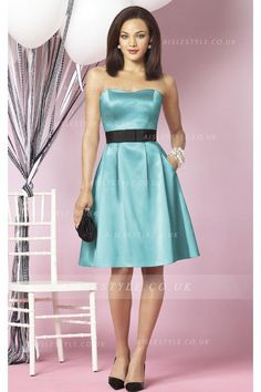 Knee-length Strapless Sleeveless Zipper Natural Bridesmaid Dresses