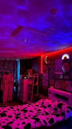 Neon Bedroom, Indie Bedroom, Indie Room Decor, Room Design Bedroom, Cute Room Decor, Room Ideas Bedroom, Bedroom Inspo, Hippie Bedroom Decor, Punk Rock Bedroom