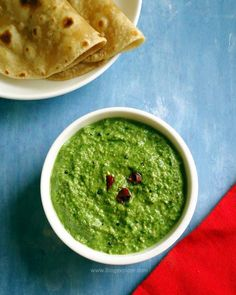 Palak Chutney - easy, healthy and delicious Indian style spinach dip.