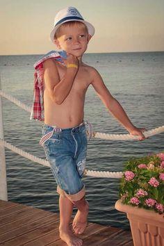 Cute 13 Year Old Boys, Cute Little Boys, Pretty Boys, Cute Boys, Little Boy Photography, Kids Photography Boys, Teen Boys, Kids Boys, Cute Blonde Boys