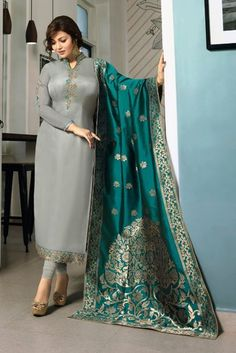 Alluring georgette party wear Having fabric georgette. Beautified with resham embroidery work which synchronized effectively with all design of the salwar suit. Comes with matching bottom and dupatta.Renovate your boutique collection by adding this s Party Wear Indian Dresses, Pakistani Fashion Party Wear, Designer Party Wear Dresses, Dress Indian Style, Indian Fashion Dresses, Indian Wear, Indian Gowns, Indian Attire, Dress Party