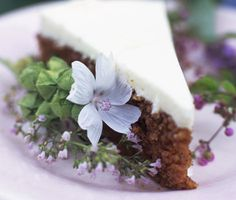 Recept: Rosendals morotstårta (Carrot cake with cream cheese frosting) Party Finger Foods, Party Snacks, Cake With Cream Cheese, Cream Cheese Frosting, Just Desserts, Delicious Desserts, Vegetarian Appetizers, Carrot Cake, No Bake Cake