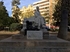 This monument is dedicated to Doctor Gómez Ferrerr, created by Paredes (the children are by Luis Bolinche). Located in Jardin de la Glorieta, this was created in 1920, four years before his death, to pay him homage for all his work as a pediatrician.