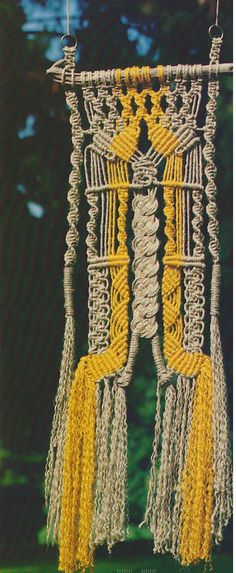 This Macrame Pattern is titled, Knotty Josephine It is a 1970s vintage macrame wall hanging pattern. Included in this PDF: *Pattern instructions to make Knotty Josephine *Basic macrame terms & knots This macrame is made with jute in 4 ply, however it can be made with cotton rope if