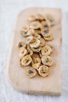 Banana Chips | Brush with lemon juice and bake at 175° for 3 hours on parchment paper.