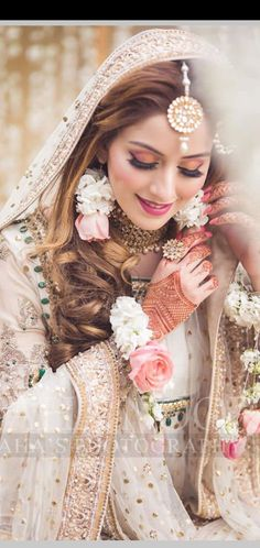 - Source by rimpyghotra - Asian Wedding Dress Pakistani, Pakistani Bridal Makeup, Bridal Mehndi Dresses, Bridal Hijab, Bridal Dress Design, Wedding Dresses For Girls, Bridal Outfits, Indian Bridal, Pakistani Dresses