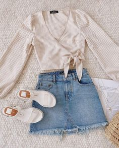 # dressy Casual Outfits for teens accessories ideas Teen Fashion Outfits, Girly Outfits, Outfits For Teens, Pretty Outfits, Skirt Outfits, Beautiful Outfits, Modest Outfits, Modest Fashion, Fashion Fashion
