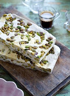 Pistachio and white chocolate nougat with coffee