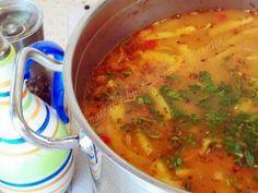 Preparare Ciorba ardeleneasca de fasole verde 8 Cheeseburger Chowder, Supe, Recipies, Curry, Food And Drink, Cooking, Ethnic Recipes, Romania, Green
