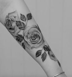 Black and grey ink roses by Tritoan Ly