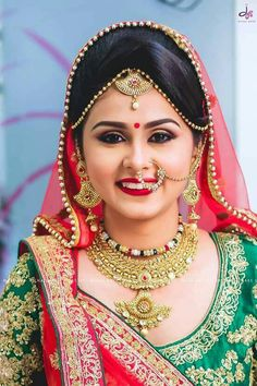100 Most Beautiful Indian Bridal Makeup Looks - Dulhan Images Indian Bridal Makeup, Bridal Makeup Looks, Bridal Looks, Bridal Style, Wedding Makeup, Indian Wedding Bride, Bengali Wedding, Bengali Bride, Indian Weddings