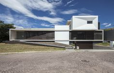03 Residencia La Viña, Arq. Patricio Endara, Quito-Ecuador | by Arquitectura Sebastian Crespo