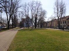 Koronavírus: Aktuálne je potvrdených 581 prípadov, štyri nové sú z okresu Spišská Nová Ves Slovensko už mesiac bojuje s koronavírusom. Každý deň pribudnú Bratislava, Nova, Sidewalk, Side Walkway, Walkway, Walkways, Pavement