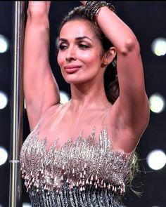Most Beautiful Bollywood Actress, Indian Bollywood Actress, Bollywood Actress Hot Photos, Bollywood Girls, Bollywood Celebrities, Beautiful Indian Actress, Beautiful Actresses, Indian Actresses, Kiara Advani Hot