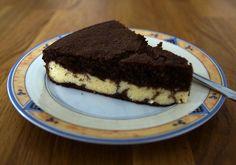 <p>Mahlzeit!+<br+/>Der+Dreh-Dich-Um-Kuchen.+<br+/>Das+lustige+an+dem+Kuchen+ist,+dass+während+des+Backens+zwei+Kuchenschichten+ihre+Position+tauschen.+Du+kannst+Ihnen+sogar+dabei+zusehen.</p>