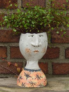 Schwimmer Raku Pottery, Pottery Sculpture, Sculpture Clay, Ceramic Flower Pots, Ceramic Planters, Clay Flowers, Flower Vases, Face Planters, Pot Plante