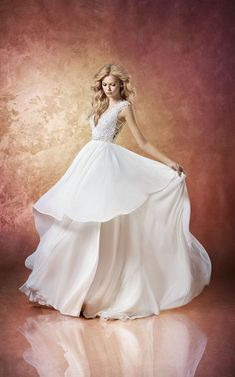 b6c87c77c05 Style 6658 Leigh Hayley Paige bridal gown - Ivory chiffon A-line bridal gown