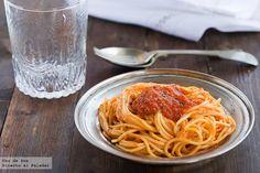 Receta de espaguetis con salsa de vodka. Una salsa facilísima y encima deliciosa ;)   http://www.directoalpaladar.com/recetas-de-pasta/espaguetis-con-salsa-de-vodka-receta