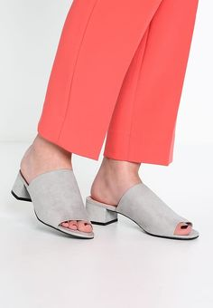 DIVINE Pantolette flach grey