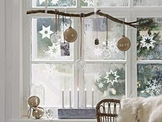 Making Advent decorations: magical ideas for the pre-Christmas season - Hair Beauty - Food and Drink - Christmas - DIY and Crafts - Home Decor Rustic Christmas, Christmas Diy, Deco Cool, Artificial Snow, Christmas Window Decorations, Shop Front Design, Winter Time, Windows, Crafts