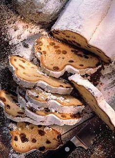 Stollen (German Christmas Bread) - find German recipes in English @ www.mybestgermanrecipes.com