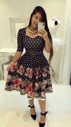 #modacristã #modaevangelica #lindasemservulgar #inspiração #top #fechaçaototal #lacrou #migasualoucaarrasou Dressy Dresses, Modest Dresses, Cute Dresses, Dress Outfits, Girls Dresses, Summer Dresses, Chic Fall Fashion, Trend Fashion, African Fashion Dresses