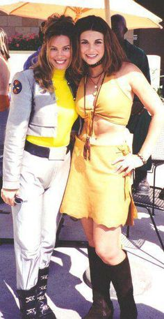Tracy Lynn Cruz (left) and Cerina Vincent (right), or Ashely and Maya, or the yellow space and galaxy ranger, how ever want to put it I think their beautiful #RangerCrushes