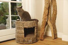 Gaaf kubu kattenhuis van Designed by Lotte. www.designedbylotte.nl
