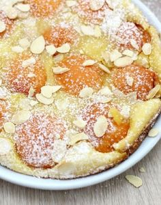 Clafoutis aux abricots et amandes Brunch Recipes, Sweet Recipes, Dessert Recipes, Pavlova, Desserts Around The World, Baked Roast, Grilling Gifts, No Bake Desserts, No Bake Cake