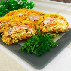 Yummy Food, Tasty, Spanakopita, Cabbage, Sandwiches, Turkey, Food And Drink, Appetizers, Cooking Recipes