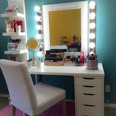 #ShareIG Vanity inspiration by @myssmari A girly girl's favorite place when…