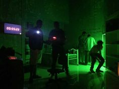 Escape Room: público é desafiado a sair de sala cheia de enigmas
