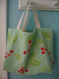 Summery Dishtowel Totebag Tutorial that I need for some wonderful placemats I have
