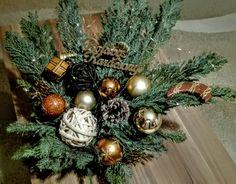 Christmas Wreaths, Holiday Decor, Home Decor, Christmas Swags, Holiday Burlap Wreath, Interior Design, Home Interiors, Decoration Home, Interior Decorating