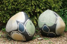 I love these ceramic garden orbs for the garden by Carolyn Genders
