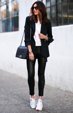 New Street Style Looks - Fashion Design New Street Style, Street Style Looks, Looks Style, Street Styles, Sneakers Fashion Outfits, Mode Outfits, Casual Outfits, Office Outfits, Office Attire